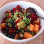 ontbijt met fruit en ijs