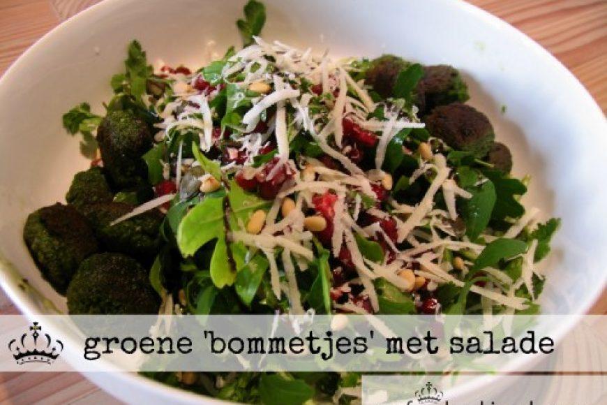 groene 'bommetjes' met salade