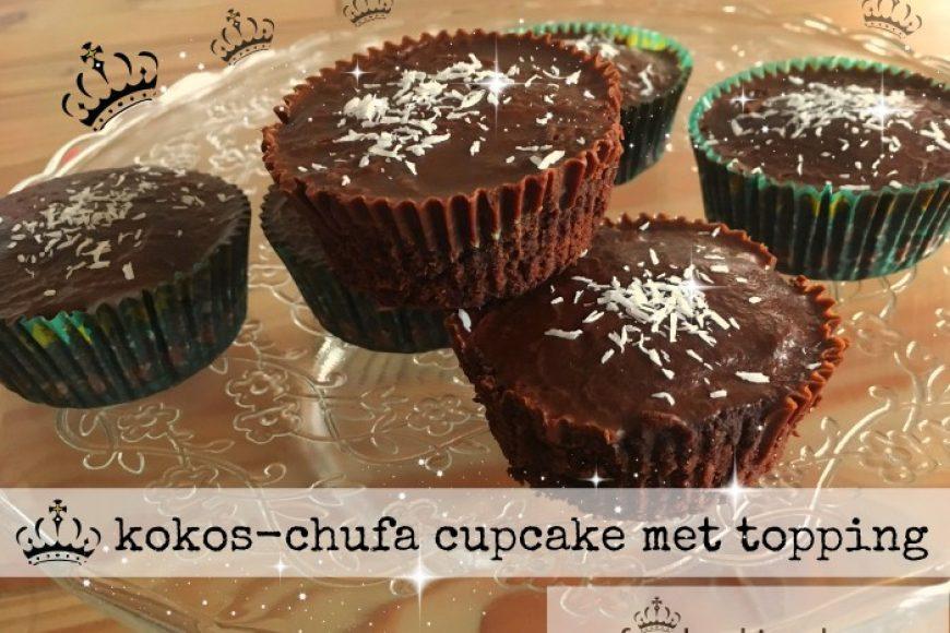 kokos-chufa cupcake met topping