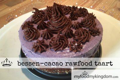Bessen cacao rawfood taart